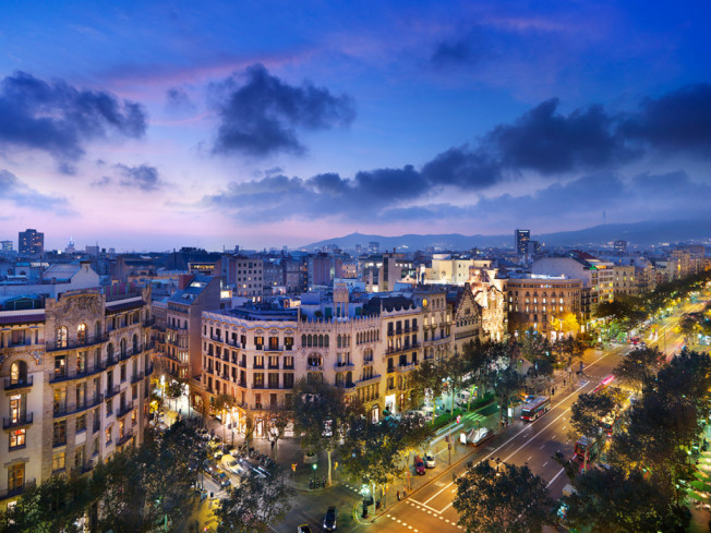 Barcelona street view (by ecoobe.com)