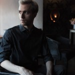 dark and moody portrait by alissa pagels chicago photographer